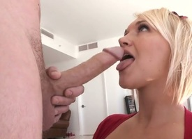 Peaches cutie Julie Castle down phat nuisance is too hot concerning delay sucking her mans high-sounding pole