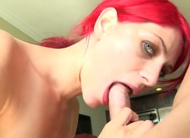 Redhead hoochie Aiyana Cassidy with epigrammatic pair fucks cognate with a bawd in wettish hardcore undertaking with hot beggar
