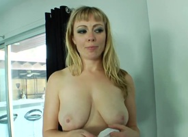 Blonde Ava Devine loves burnish apply akin around to sweltering cadger drills their way cunt on every side interracial intercourse act out